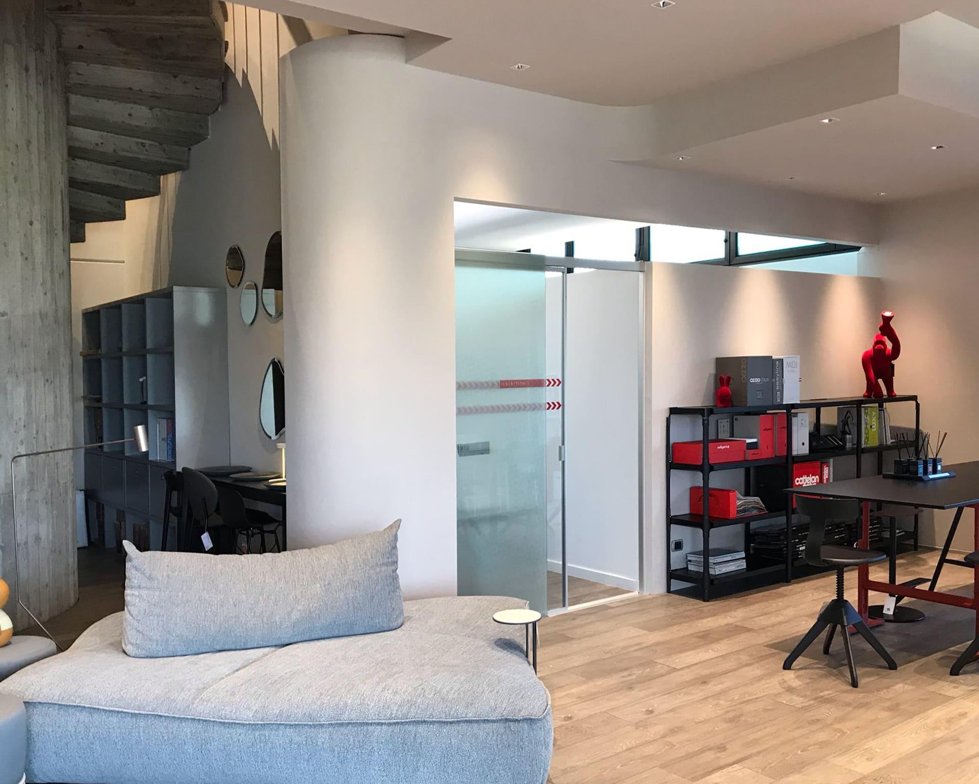 bancone-showroom-arredamento-DOPO-agg